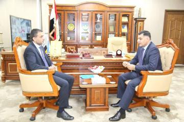 لدى استقباله ممثل الامم المتحدة في العراق وزير الاتصالات:  نسعى الى تفعيل الحكومة الإلكترونية