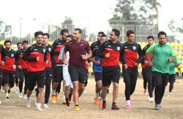 علي عدنان  يتدرب مع فريقه الأم